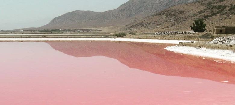 Iran Salt Lake, Iran natural hot water spring