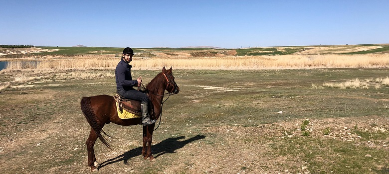 professional Iran horse riding tours