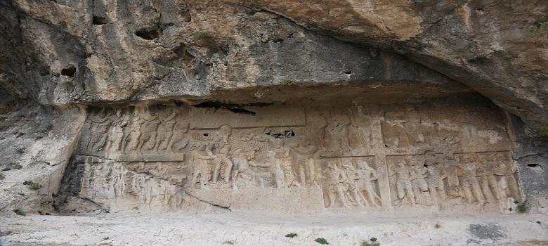 Découverte la grotte de Shapour