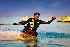 Excursion d'une journée du ski nautique en iran