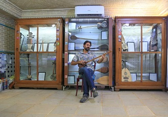 instrument de musique iranien, setâr