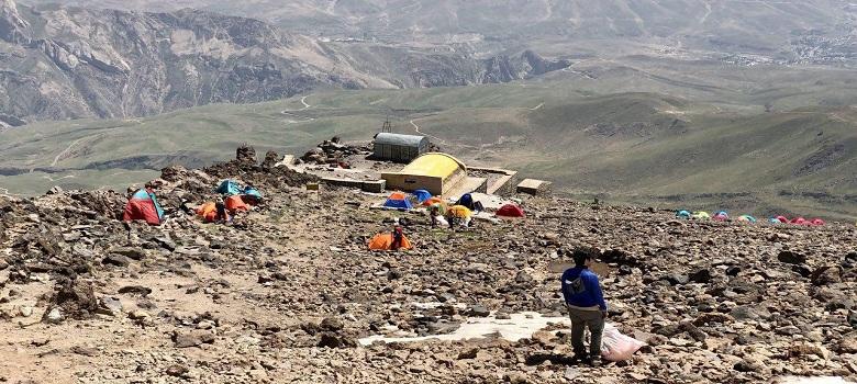 Escalade les monts en Iran
