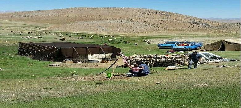 Bleib bei den iranischen Nomaden-Yeylaq