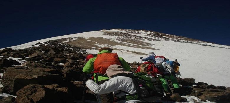 die Damavand Bergsteigertour, die  nordöstliche Flanke des  Damavand berg
