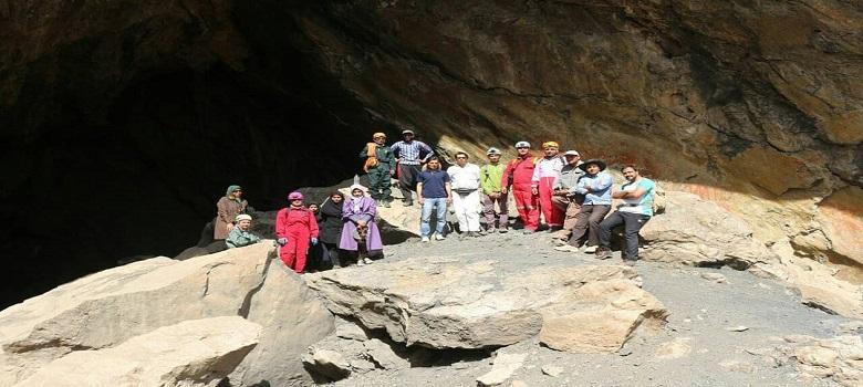 Visiter la Grotte en Iran